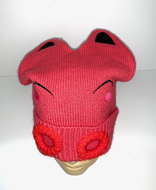 Оригинальная розовая шапка с ушками