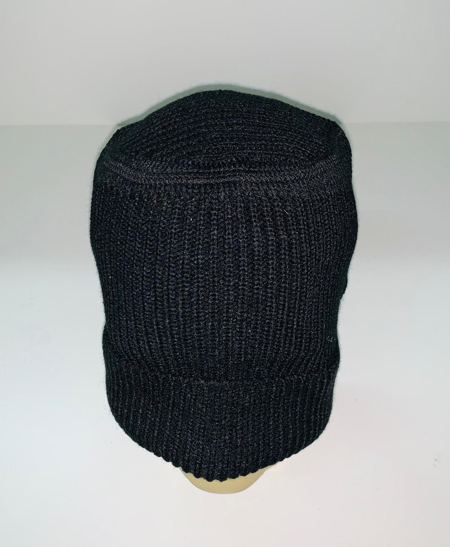 Оригинальная шапка черного цвета