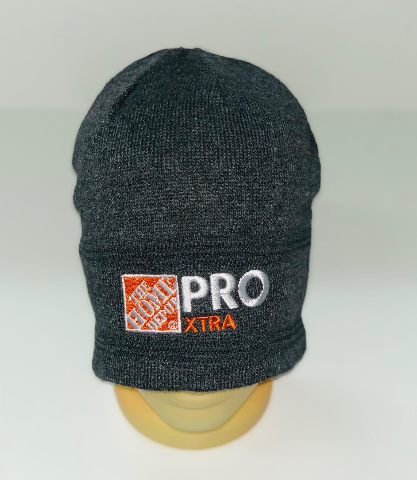 Оригинальная шапка с вышитой надписью