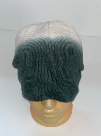 Оригинальная шапка со светлым верхом