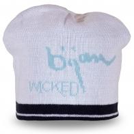 Белая шапка на московскую зиму-осень – за такую цену у нас можно купить сразу 2-3 модели