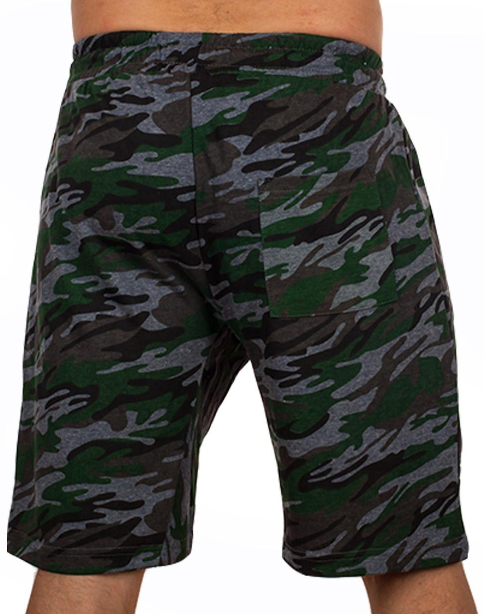 Особенные камуфляжные шорты с карманами и нашивкой Росгвардия - заказать в розницу