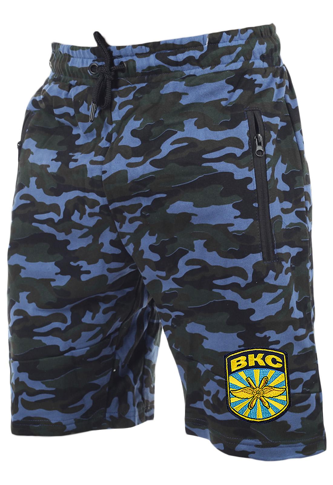 Особенные шорты с карманами и нашивкой ВКС