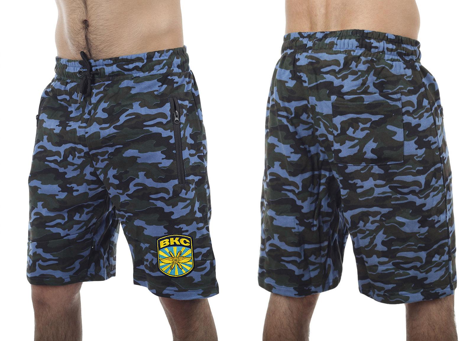 Особенные шорты с карманами и нашивкой ВКС - купить по низкой цене