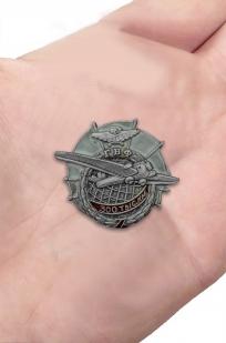 Памятный знак ГВФ АНТ-9 За налёт 300 тыс. км - вид на ладони