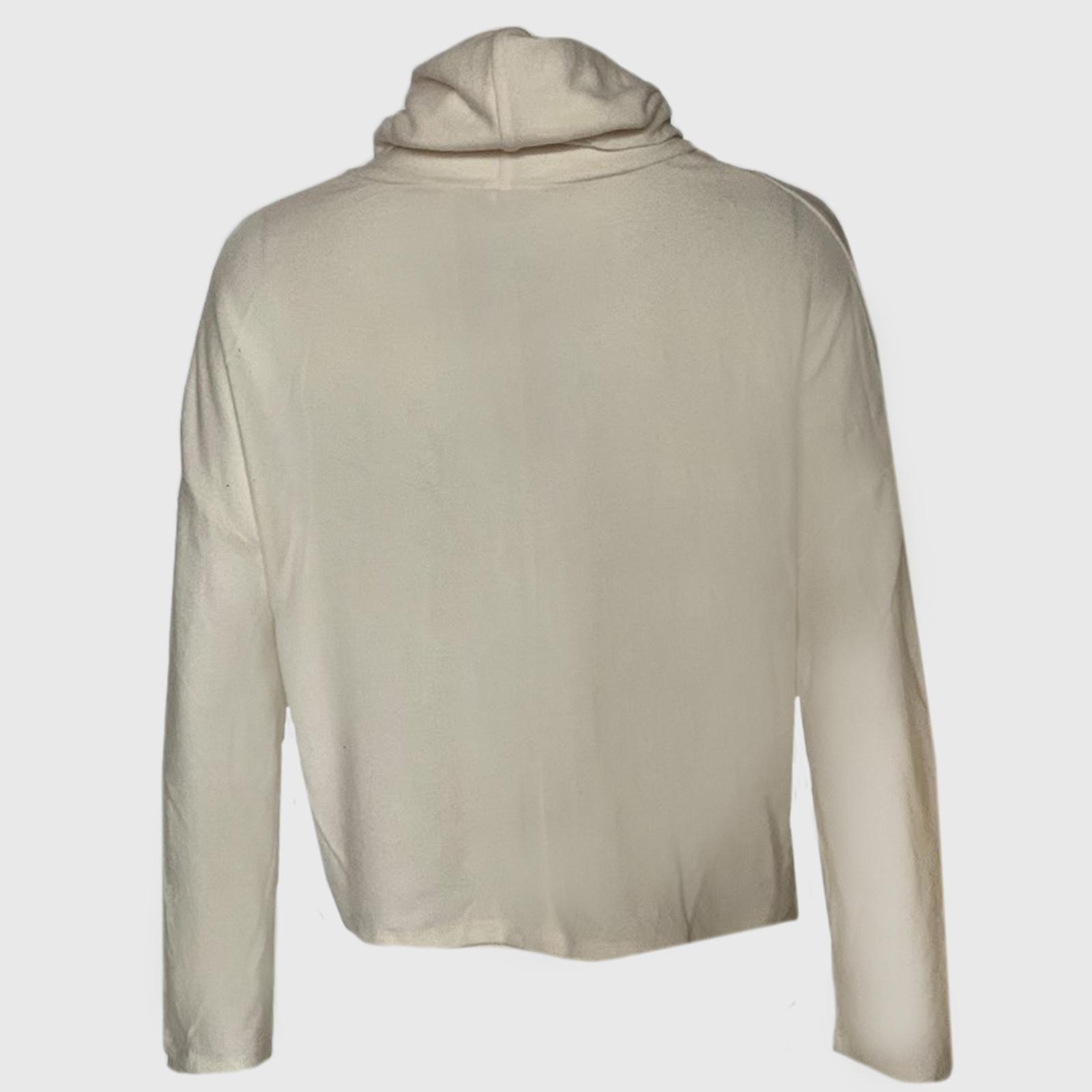 Заказать с доставкой женскую одежду: кофты, свитера, туники, платья