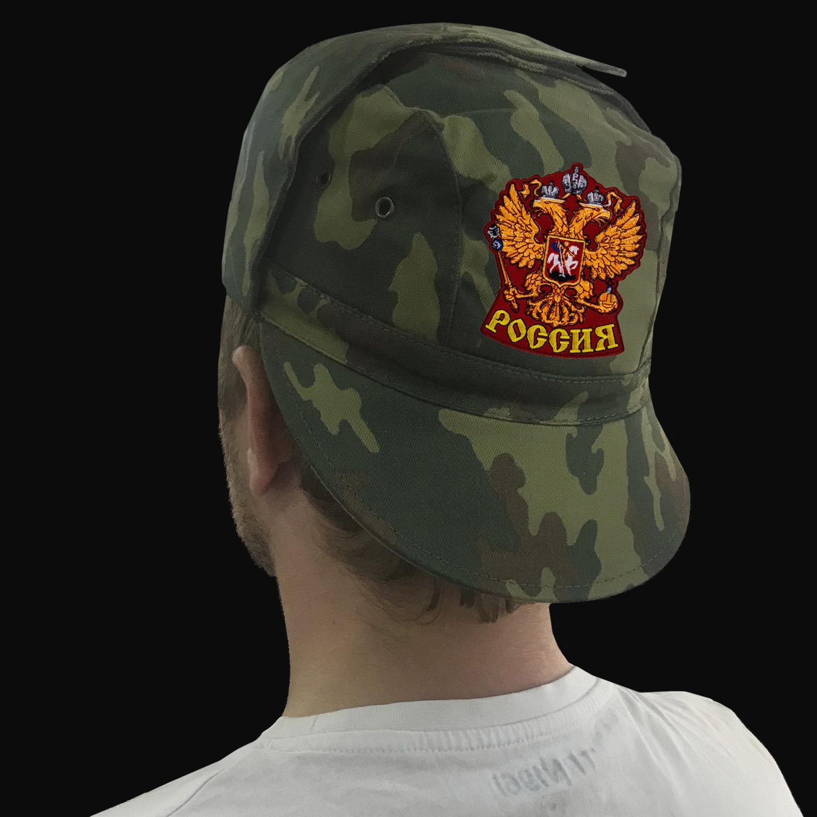 Патриотические кепки в армейском дизайне
