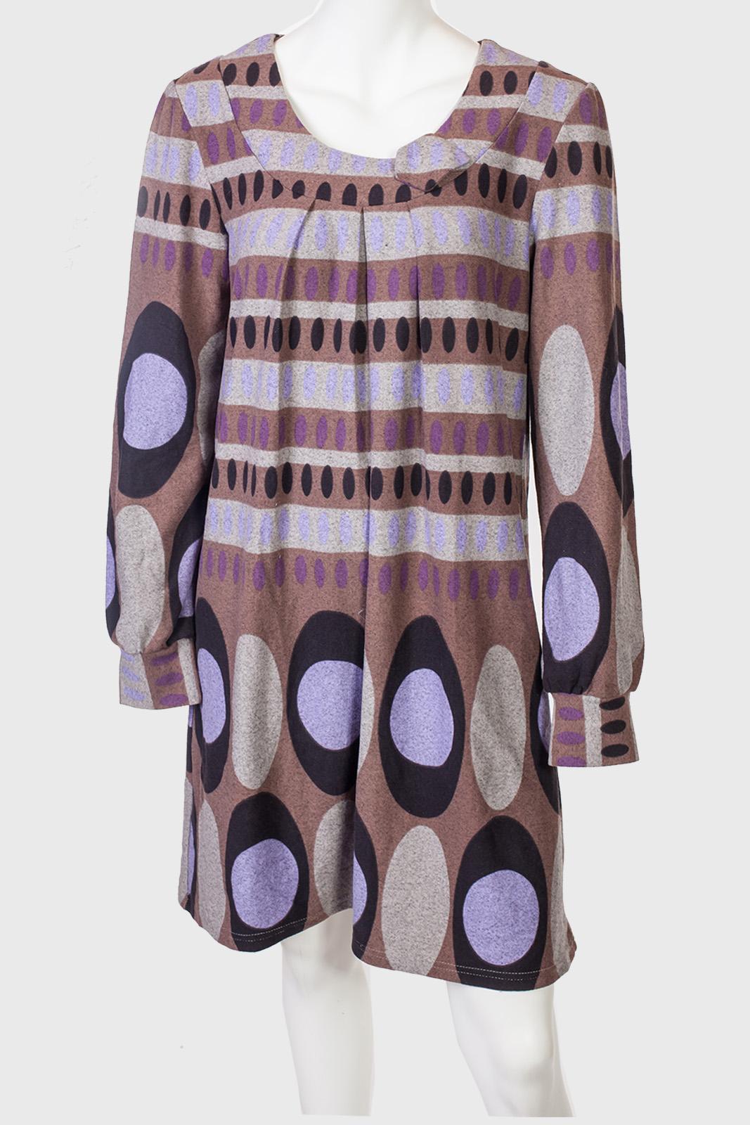 Расклешенное трикотажное платье Metpo Wear на осень.