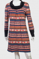 Платье-свитер с высокими манжетами.