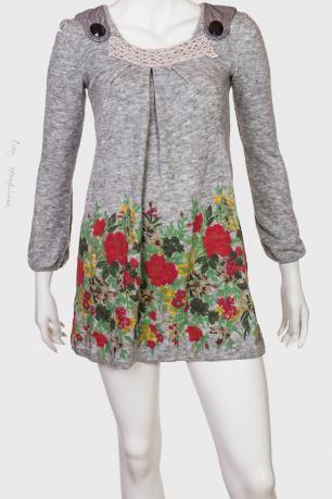 Платье-туника с россыпью ярких цветов