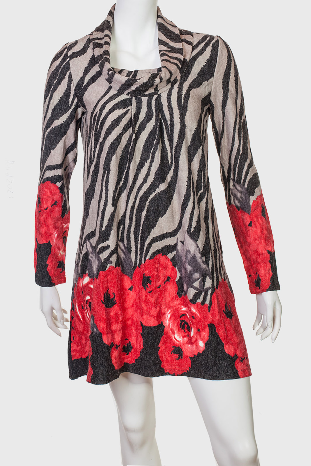 Платье-туника с яркими цветами от RADZOLI