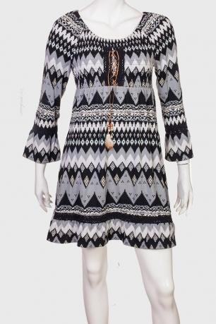 Платье-туника в этническом стиле со шнуровкой