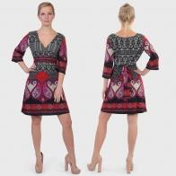 Фасон-фаворит сезона! Платье с декольте от Vino Volio.