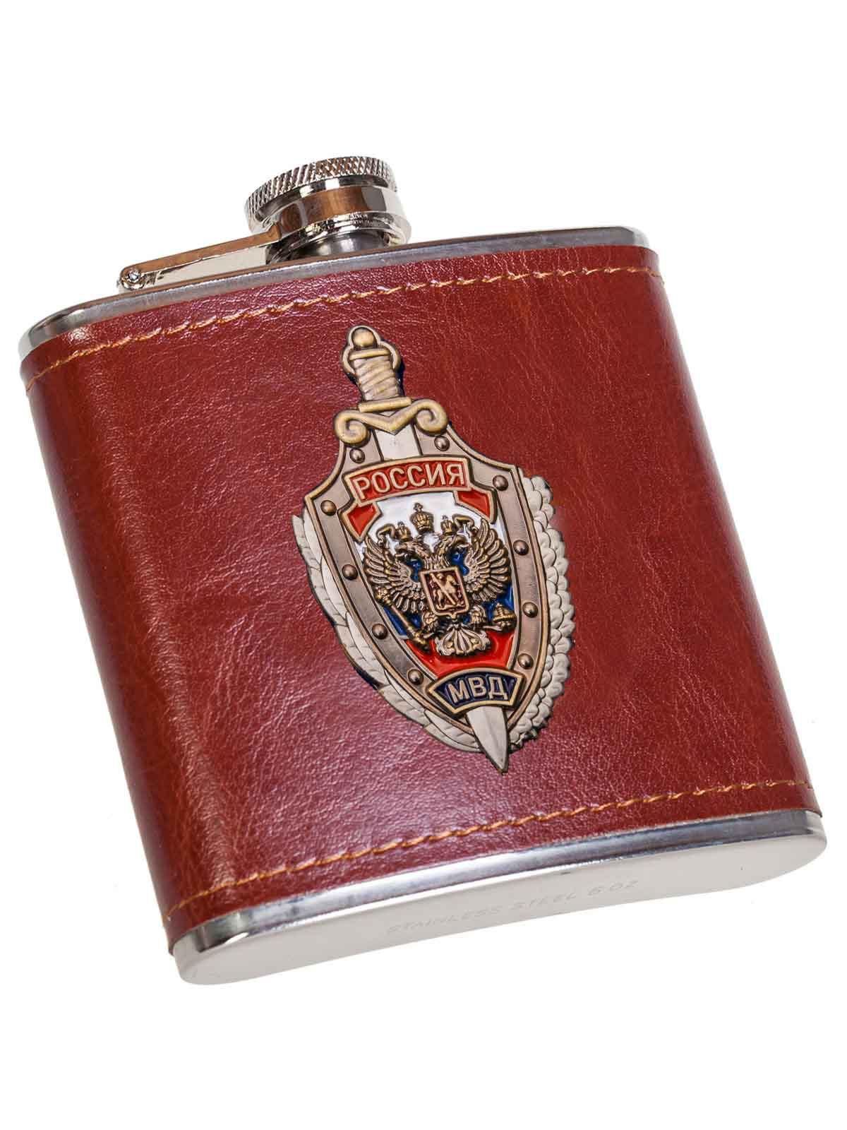Плоская карманная фляжка в чехле МВД России в Военпро