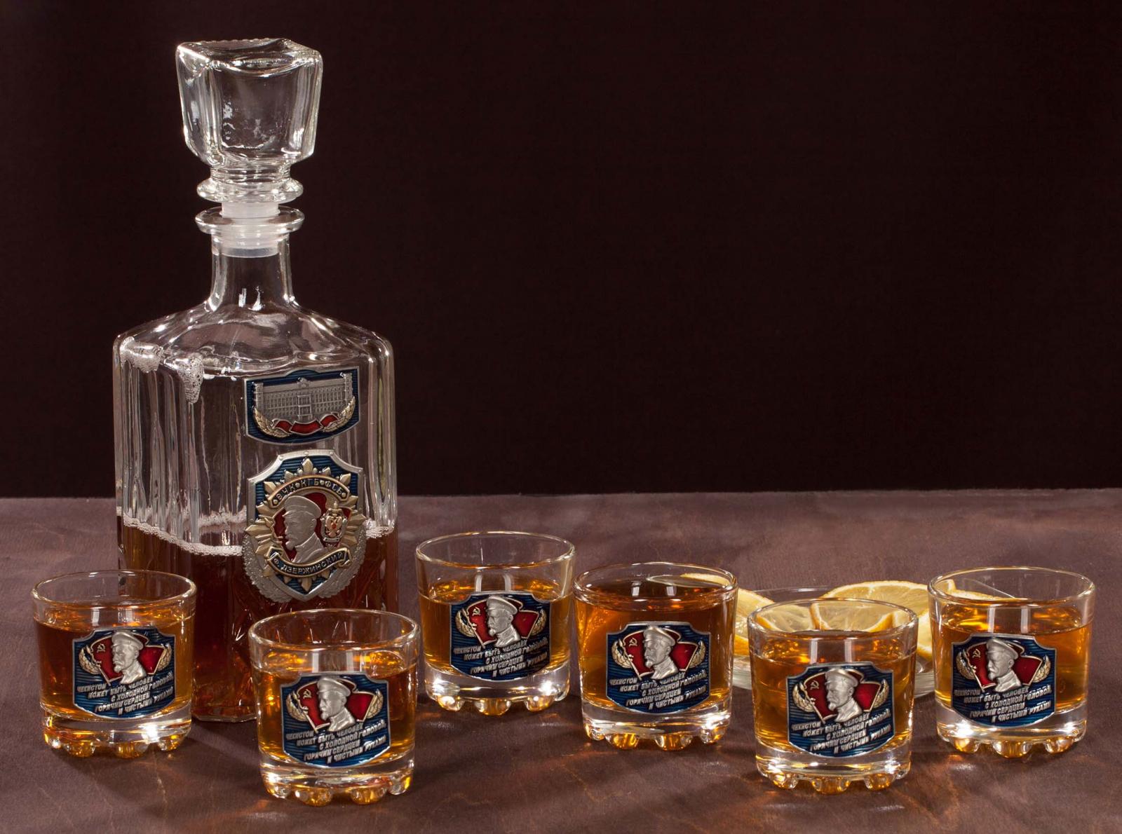"""Заказать подарочный набор для крепких напитков """"ВЧК-КГБ-ФСБ. Дзержинский"""""""