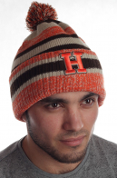 Полосатая мужская шапка в яркую меланжевую полоску