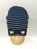 Полосатая шапка с нашитой маской