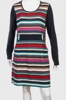 Полосатое платье с поясом и карманами.