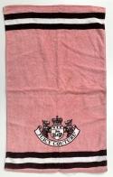 Полотенце махровое розового цвета