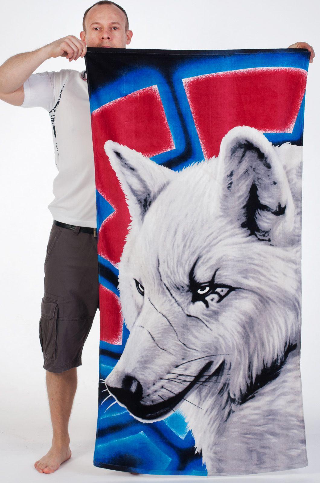 Полотенце с волком