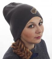 Популярная женская шапка с эффектной аппликацией