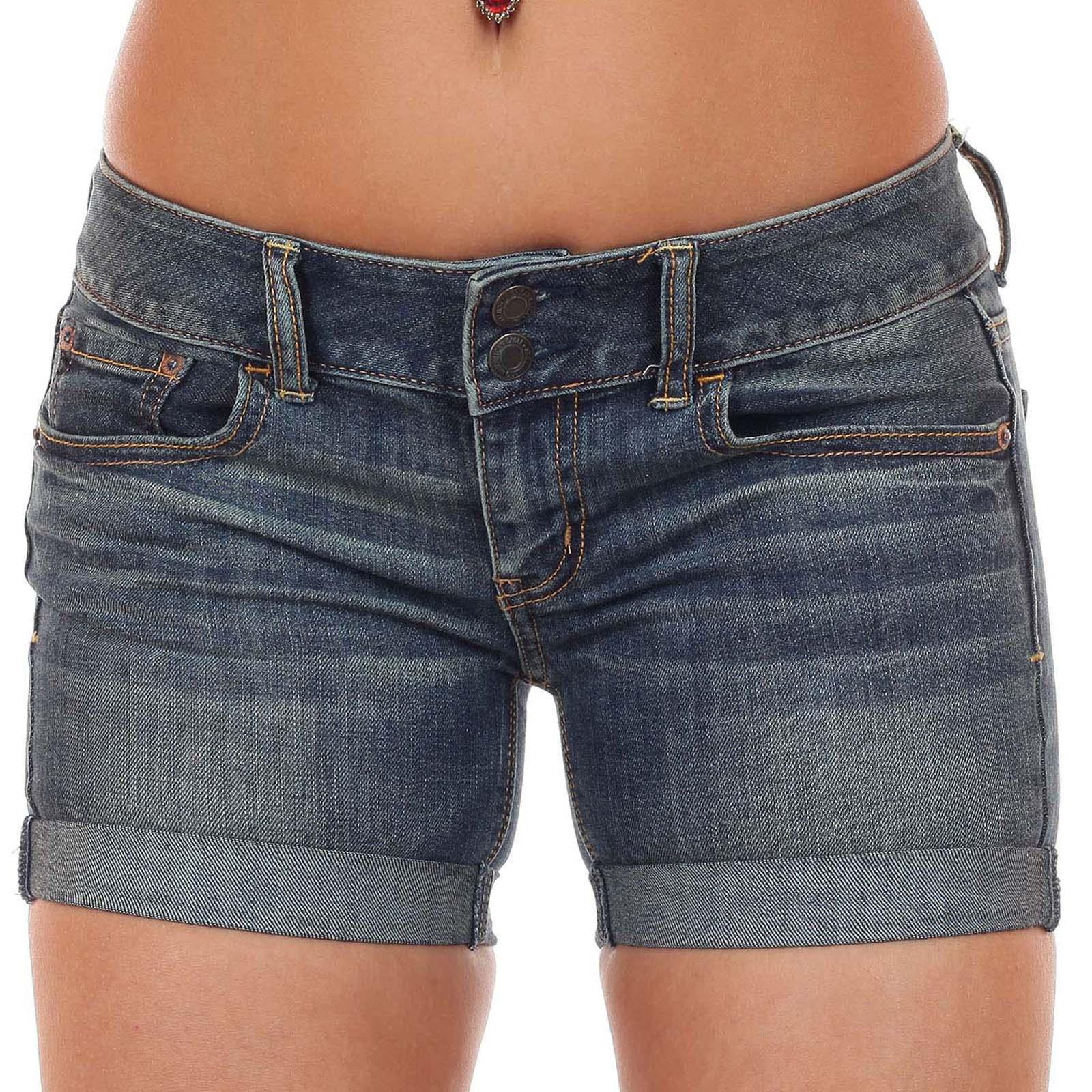 Потрясные джинсовые шорты для обольщения мужчин