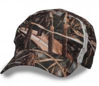 Практичная камуфляжная кепка.
