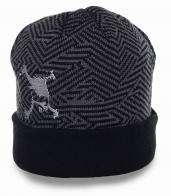 Практичная мужская шапка на каждый день