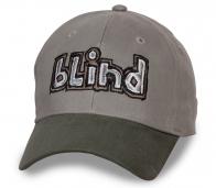 Практичная серая бейсболка Blind