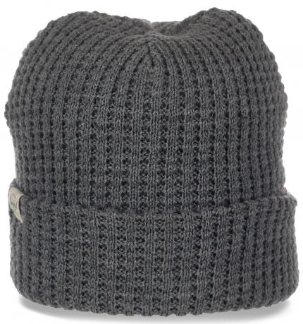 Практичная шапка Herschel с широким подворотом. Многофункиональная модель, которая всегда в моде