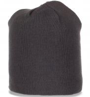 Практичная стильная демисезонная мужская шапка
