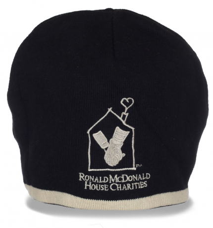 Практичная зимняя шапочка на флисе