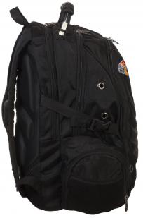 Практичный черный рюкзак  с рыбацкой фразой купить оптом