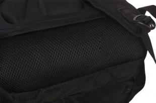 Заказать практичный черный рюкзак  с рыбацкой фразой