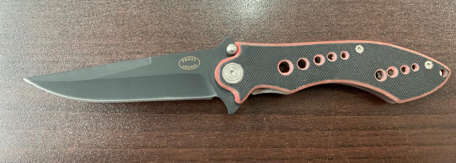 Практичный складной нож с рифленой рукоятью