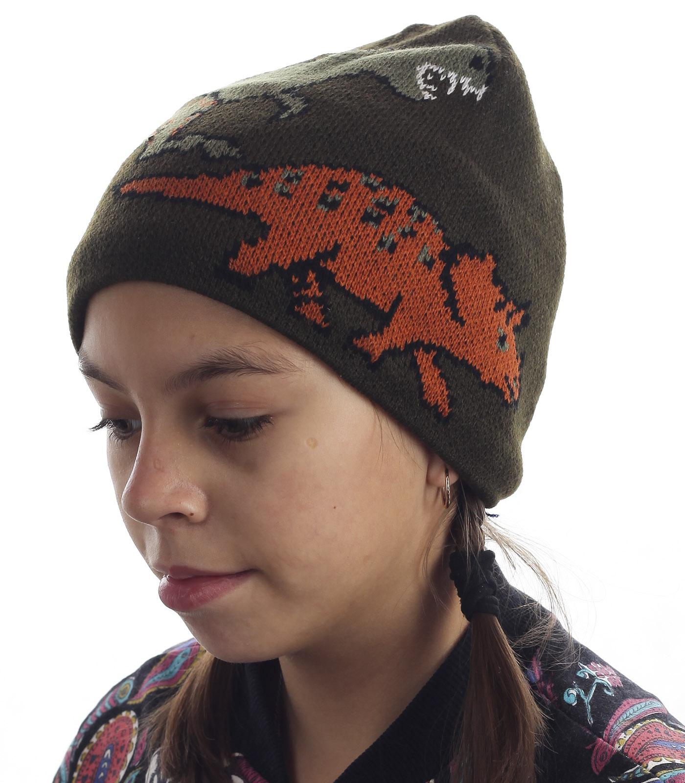 Правильная детская шапка на флисе. Надежно защищает от холода и ветра, не спадает и не давит. То, что нужно для подвижного ребенка
