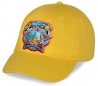 Предлагаем Вам хлопковую бейсболку уникального патриотического дизайна с эффектным принтом Ордена Победы к самому Великому празднику 9 Мая по выгодной цене