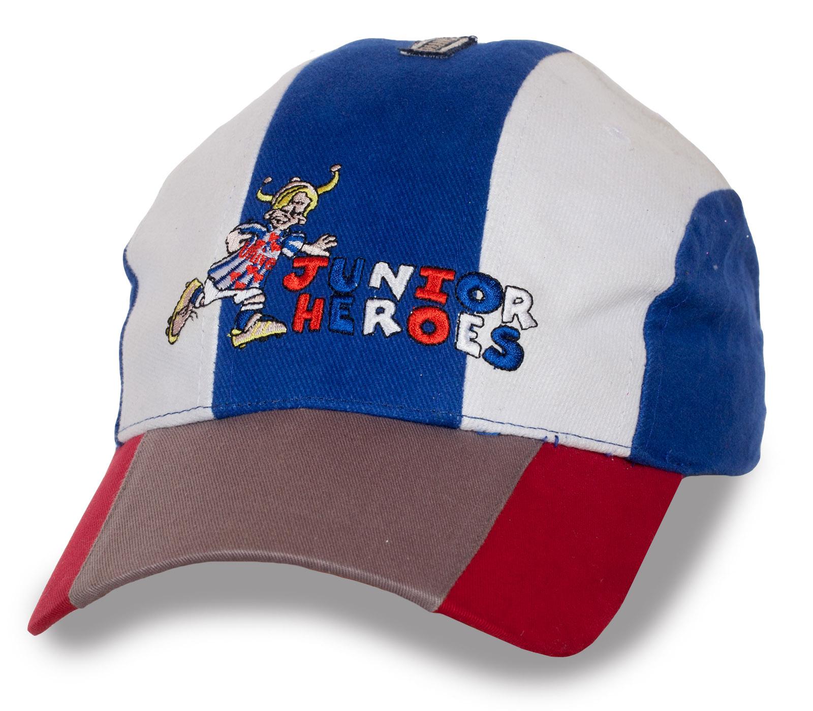 Прикольная кепка Junior Heroes.