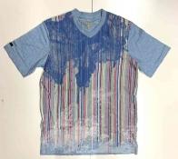 Прикольная яркая мужская футболка
