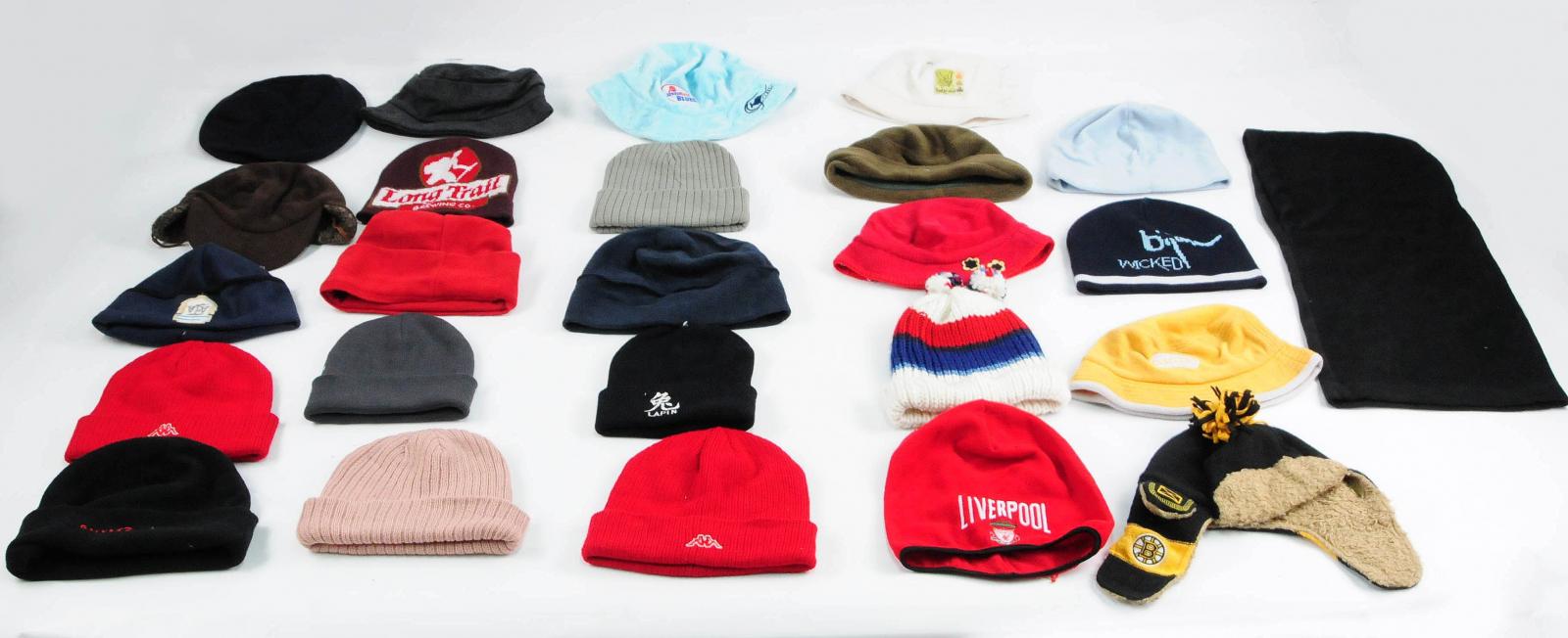 Недорогие шапки для парней и девушек оптом