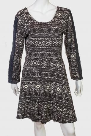Приталенное трикотажное платье  от ANGIE.