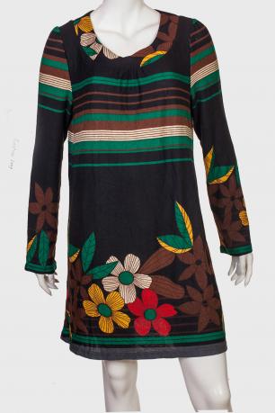 Прямое платье с нотками нежности от EMOTION LADY