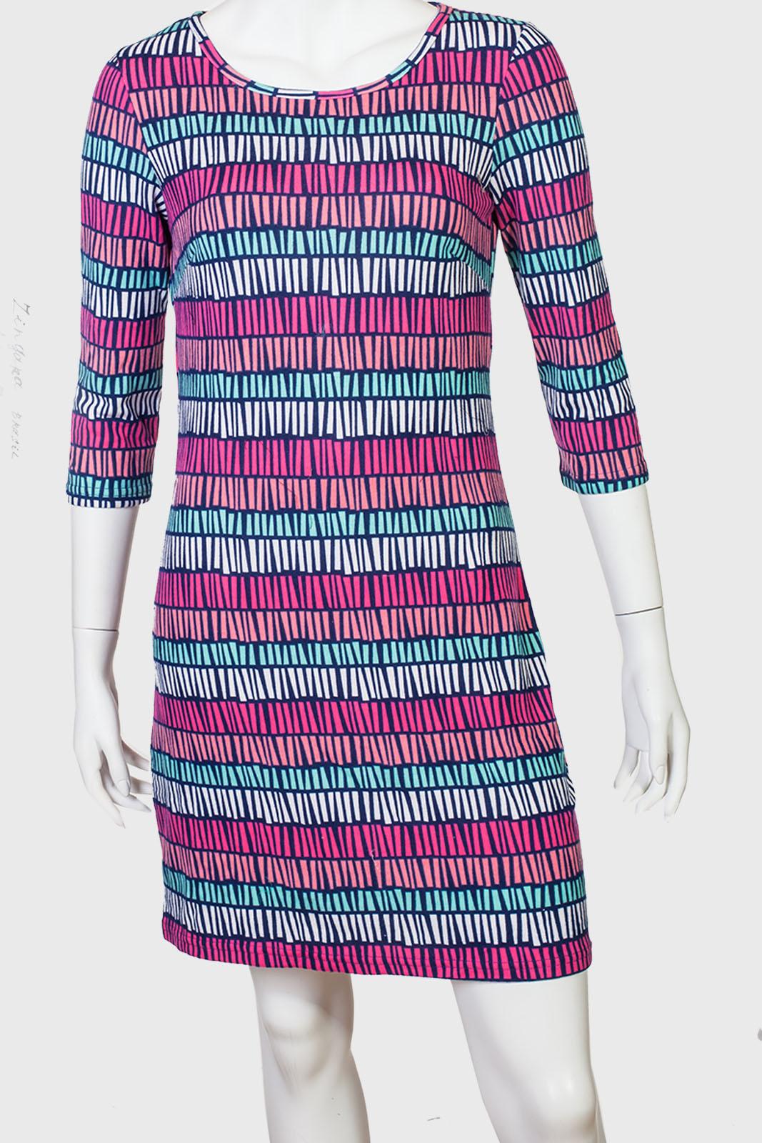 Прямое платье с рукавом три четверти Zangara Brasil.
