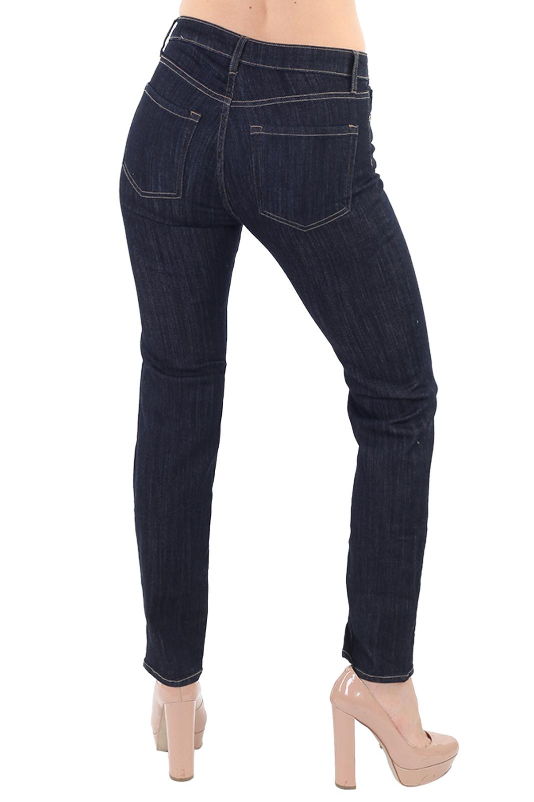 Прямые женские джинсы классика