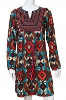 Пятнистое этно-платье с декоративными завязками