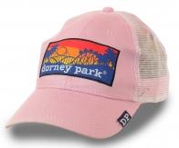 Розовая женская бейсболка Dorney Park – лёгкая модель с сеткой для хулиганок, бунтарок и любительниц аттракционов. Хандрить будешь в старости, а сейчас – ЖИВИ!