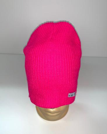 Розовая молодежная шапка