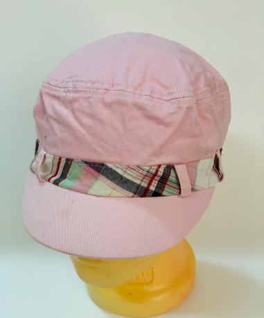 Розовая оригинальная кепка-немка