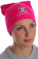 Розовая шапка Chanel для очаровательных девушек. Роскошная модель, популярная в сезоне. Комфортно согреет и создаст модный образ