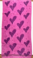 Розовое большое полотенце с сердечками
